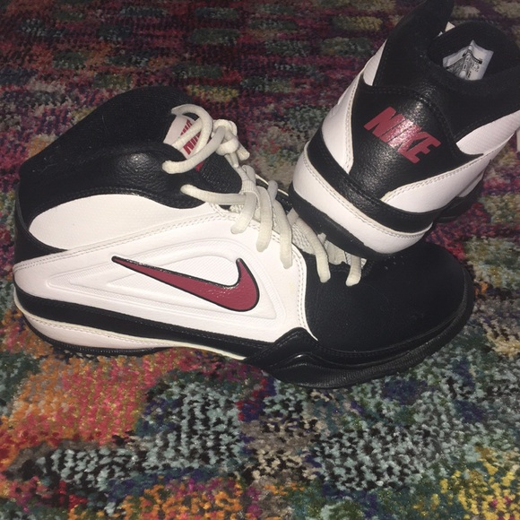 Boys Nike High Top Shoes Size 5Y